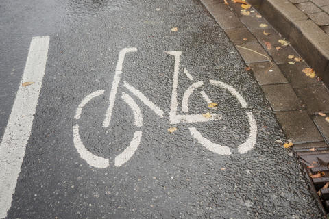 Sign on the road for bicycle lane フォト