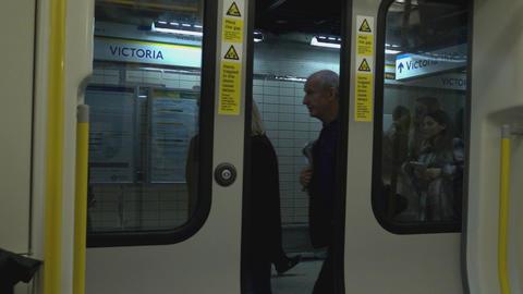 Doors closing at London Underground - LONDON, ENGLAND Live Action
