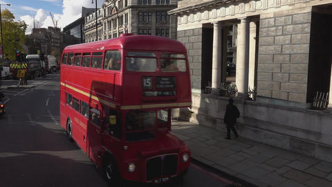 Old London Bus to Tower Hill - LONDON, ENGLAND Live Action
