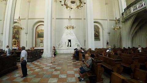 Interior of a Christian church. Vienna, Austria. 4K ビデオ