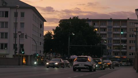 Light traffic on boulevard after sunset 画像