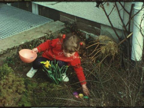 Vintage Easter 8mm 2