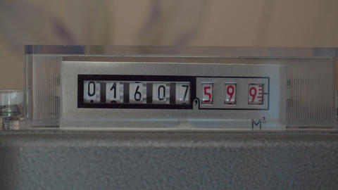 counter shows the amount of gas consumed Live Action