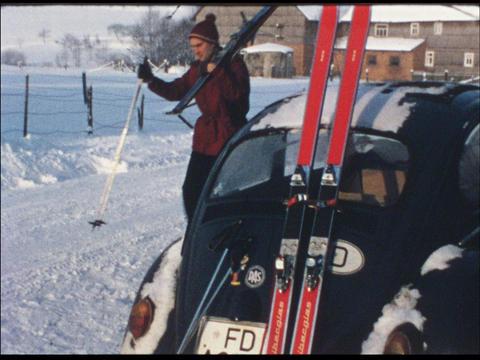 Ski vacation 09 Footage