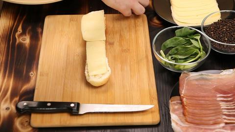 Process of making a sandwich 영상물