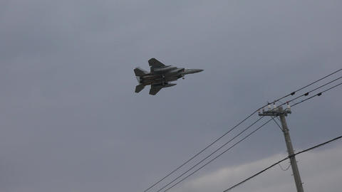 (4K)Flying Fighter / 戦闘機が頭上を通過 4K動画素材 Footage