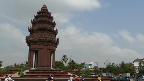 Time alpse from traffic around the Independence Monument in Phnom Penh Footage