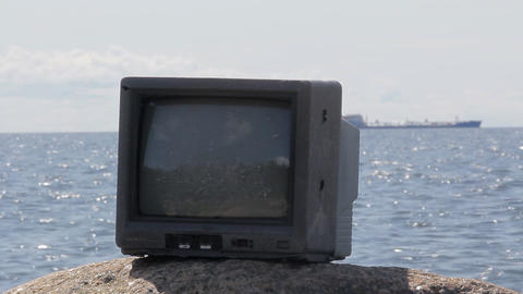 Cool video in nature. From TV comes out of long ship Footage