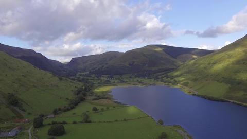 A High Altitude Aerial Shot of Tal-y-Llyn Lake ビデオ