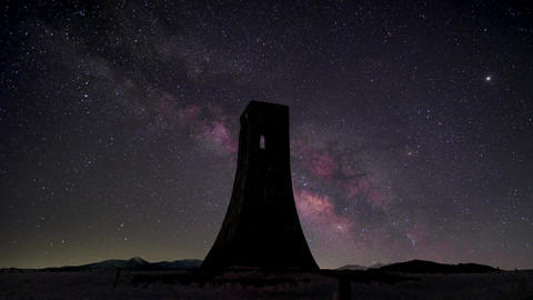 Timelapse - Night view of Japan's plateau ( Utsukushigahara ) Milky way Live Action