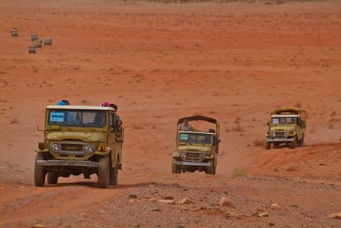 4 wheel drive in Wadi Rum desert, Jordan Photo