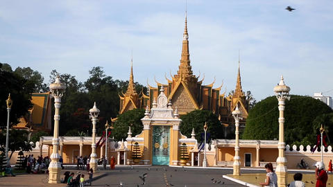 The Royal Palace seen from the Royal Palace Park Live Action