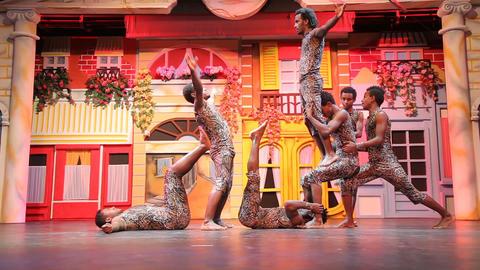 Acrobats & Circus 1