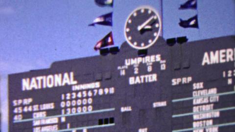 1963: Wrigley field baseball scoreboard cubs v st. louis Footage