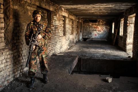 Soldier in the war with arms Fotografía