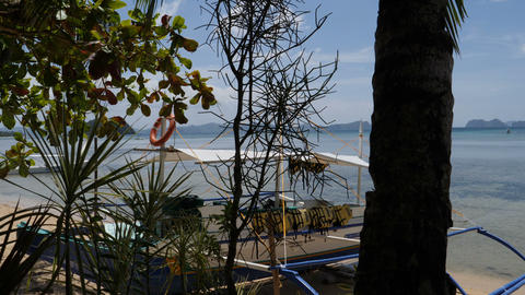 Beach and clear water of El Nido bay, Palawan, Philipinnes Live Action