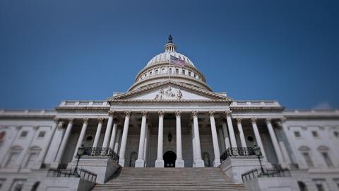 Establishing shot of the Capitol Building ビデオ