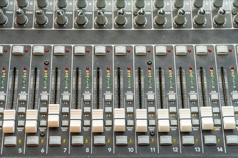 Sliders on the mixing console Fotografía