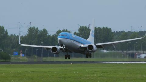 Boeing 737 of KLM Airlines landing Footage