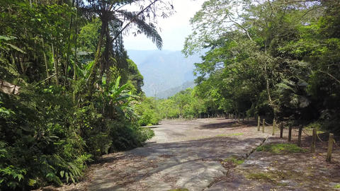 DJI MAVIC 4K Taiwan Chiyai Aerial Danayigu Park Big stone slab 20180422 3 Archivo