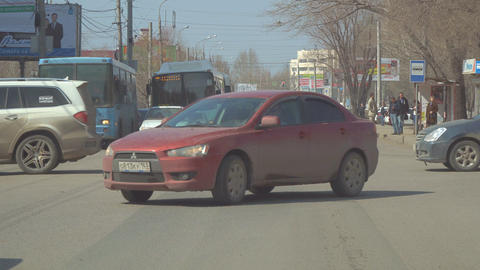 The traffic of cars at the crossroads in the city of Samara Footage