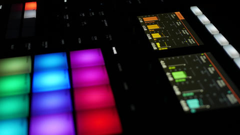 Musical pattern of different samples playing on professional audio workstation ภาพวิดีโอ