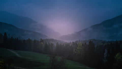 Forest Hills in Austria On a cloudy day, rain Archivo