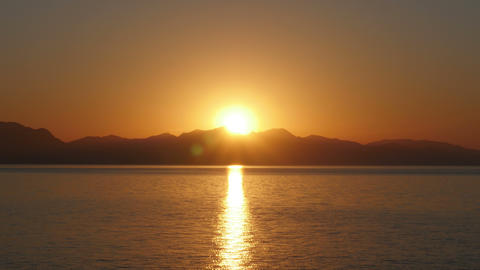 Sunrise timelapse, sun rise warm morning, zoom in Footage