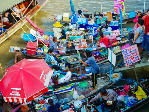 mphawa Floating Market is a large market and famous as a popular shopping Photo
