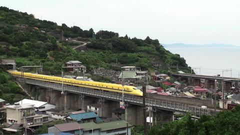 ドクターイエローが博多に向かい小田原市石橋付近を通過 ライブ動画