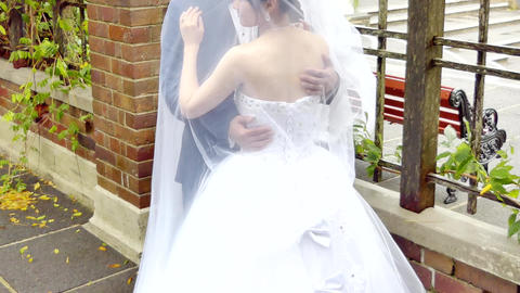 wide shot of bride & bridemaid wedding dress ビデオ