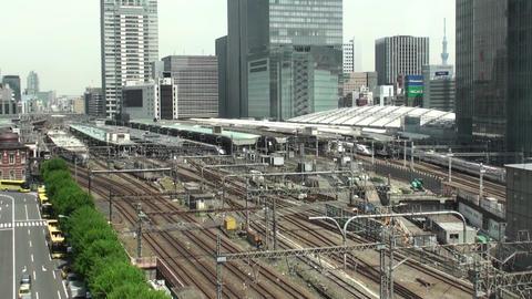 東京駅を出発するN700系新幹線 ビデオ