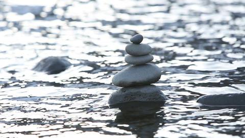 Stones in water ビデオ