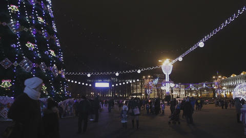Decorated Christmas tree on the square 영상물