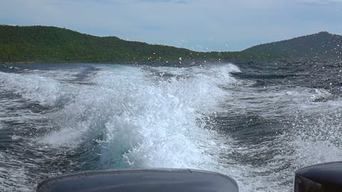 Spray from Powerful Engines behind the Stern. Slow Motion Archivo