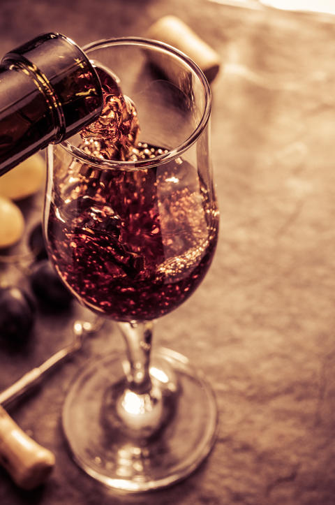 wine glass and grapes Photo