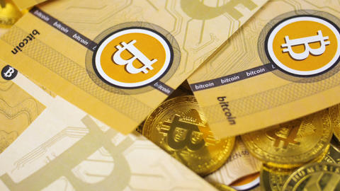New Currency Bitcoins Cash Falls down one by one Live Action