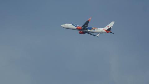 Boeing 737 of Sunwing Airlines flying overhead Footage