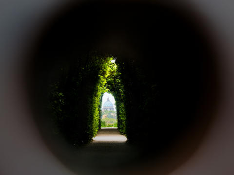 The keyhole on the Aventine Rome フォト