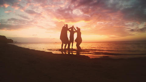 Friends gather on the beach to celebrate 영상물