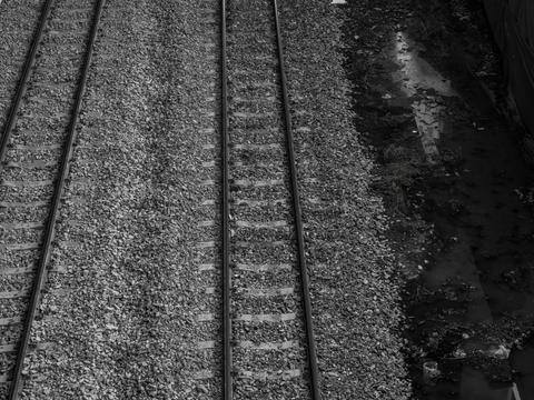 outdoor photo of railway tracks Fotografía