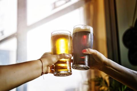 alcohol. beer, octoberfest, party, celebratory toast, men, drink フォト