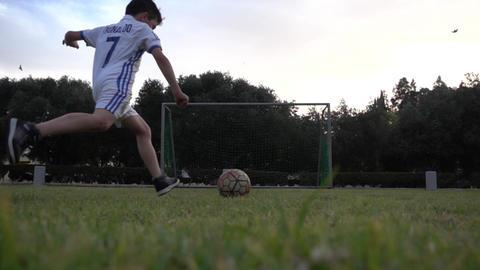 Young Football Player Ronaldo Scores A Goal ビデオ