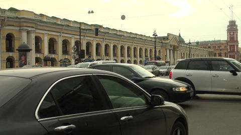 the flow of cars in the city Stock Video Footage