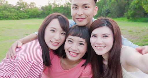 people selfie happily Live影片