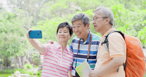 old travel people selfie happily Live影片