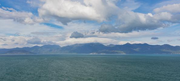 Ocean Mountain Range Skyline Viewpoint Vietnam Fotografía