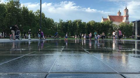 Vilnius new fountain square 4K (3) ビデオ