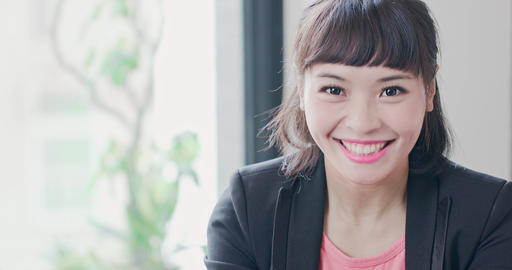 business woman smile happily Live影片