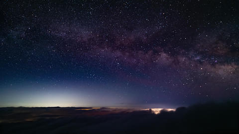 Timelapse - Starry sky above the clouds ビデオ